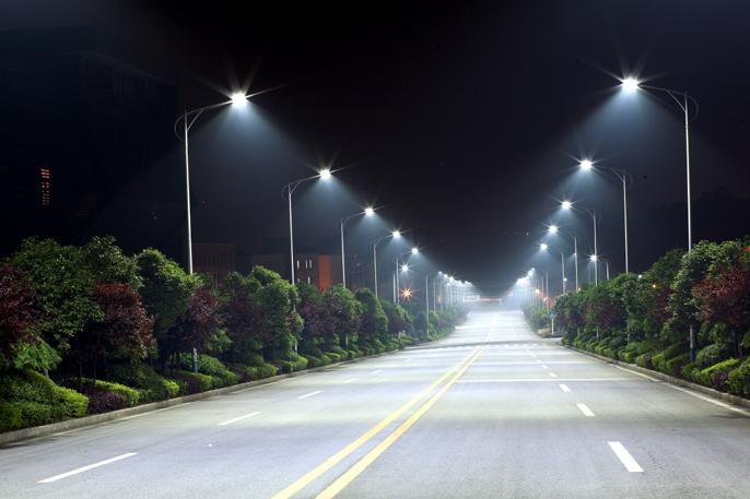 Вуличне світлодіодне LED освітлення